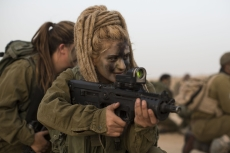israel-female-soldiers-9